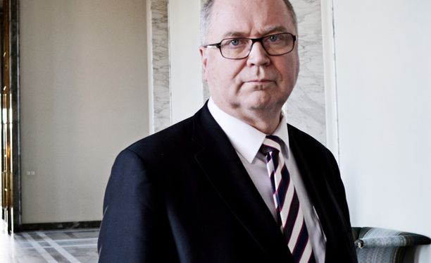 Eero Heinäluoman mukaan päätös ei ole Suomen vuoropuhelua edistävän ulkopoliittisen linjan mukainen.