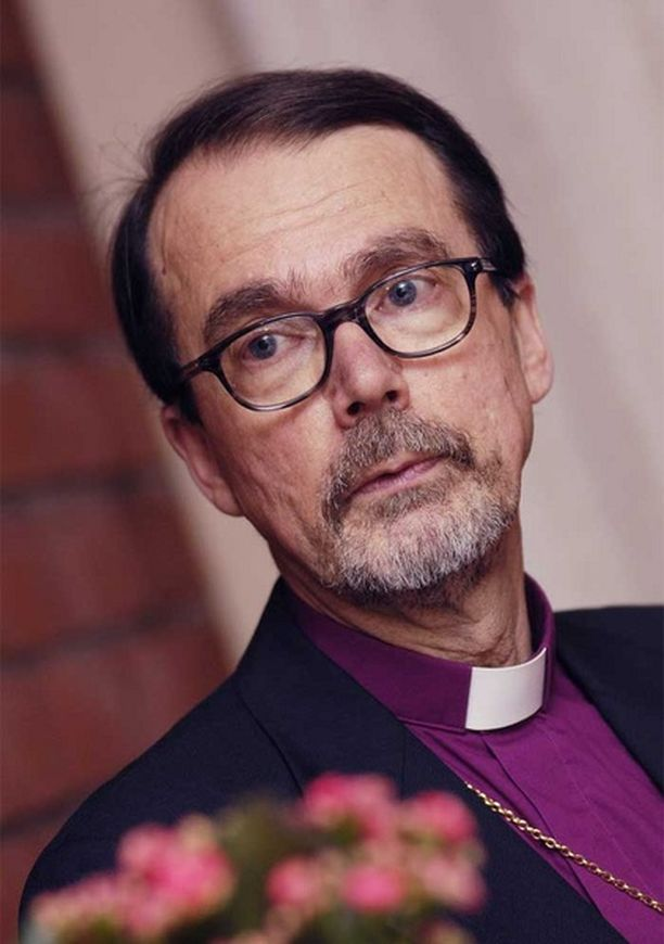 Espoon piispa Mikko Heikka haluaisi Suomen piispat mukaan Facebook- verkkopalveluun.