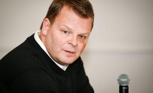Marko Jantunen tutustui Jere Karalahdesta julkaistuun kirjaan.