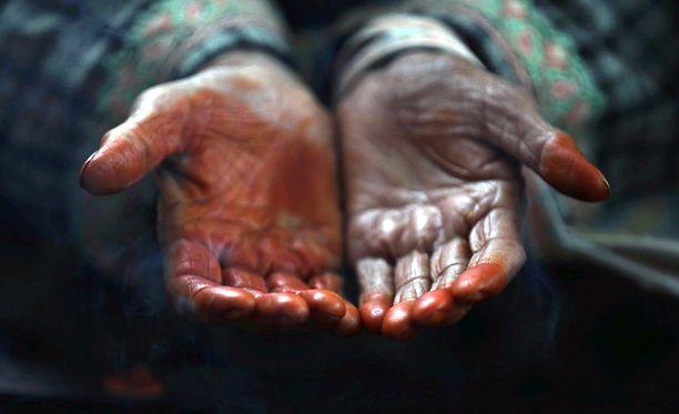 Rukous on olennainen osa muslimien uskonnon harjoittamista. Muslimi rukoilee ainakin viisi kertaa päivässä.