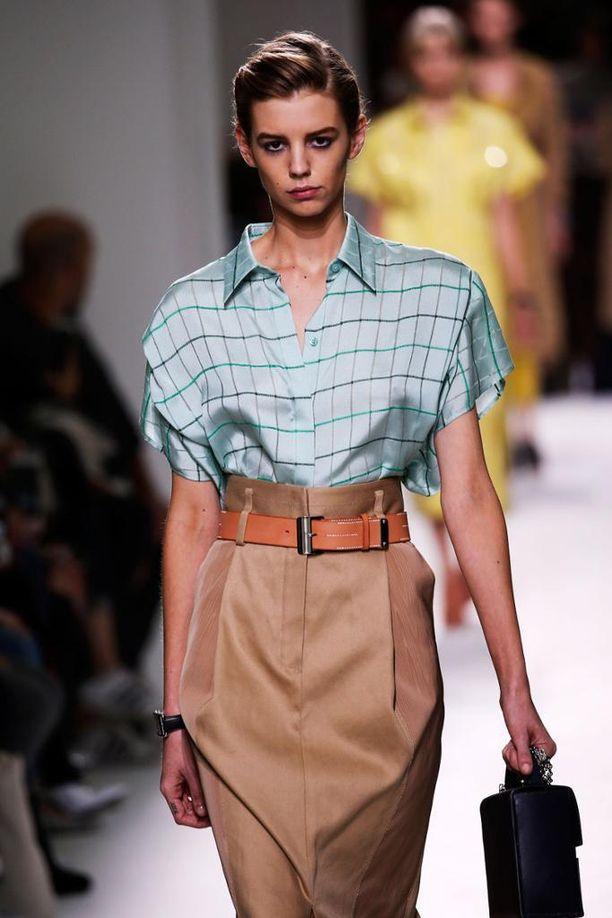 Hermès ja ihanan hallitun hillitty yhdistelmä.
