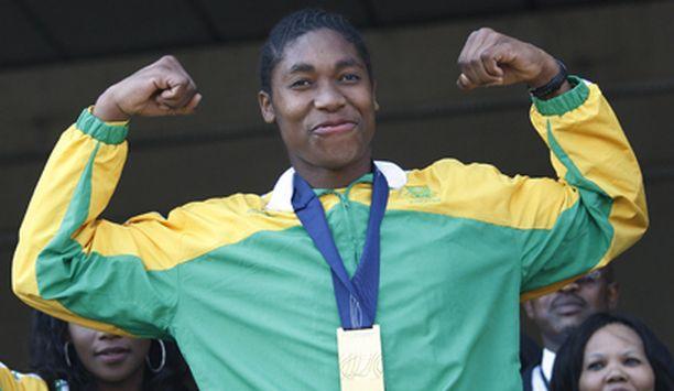 Naisten 800 metrin MM-kultaa Berliinissä elokuussa voittanut Caster Semenya on hermafrodiitti, australialainen The Age -lehti uutisoi verkkosivuillaan.