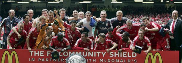 Liverpool juhli perinteisen Community Shield -hyväntekeväisyysottelun voittoa.