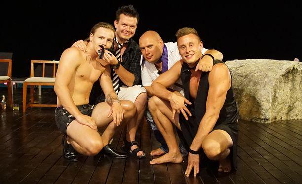 Temptation Island Suomi 2:n keskiviikon jaksossa miehet pääsevät tutustumaan ruoskiin.
