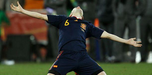 Andrés Iniesta osasi ottaa ilon irti voittomaalistaan MM-finaalissa.