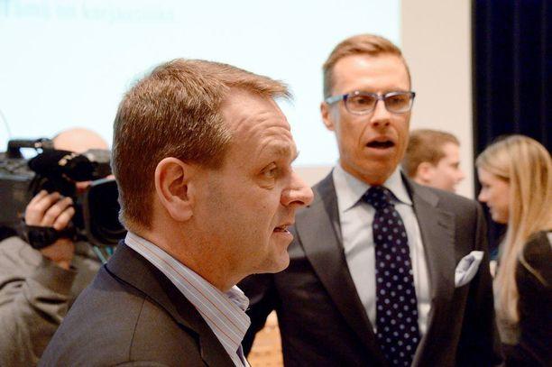Pääministeri Stubb ja elinkeinoministeri Vapaavuori linjasivat kokoomuksen vaalitavoitteita Tampereella ennen vuoden 2015 eduskuntavaaleja.