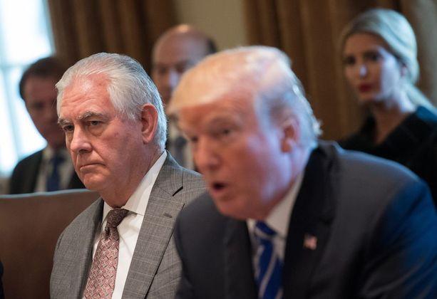 Donald Trump on ollut ulkoministeri Rex Tillersonin (vas) kanssa useasti eri mieltä muun muassa on Iranin ydinsopimukseen ja Pohjois-Koreaan liittyvissä asioissa.