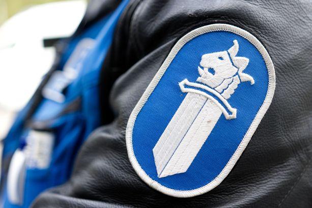 Kaksi poliisia on syytteessä muun muassa kolmanteen poliisiin kohdistuneesta törkeästä vammantuottamuksesta.
