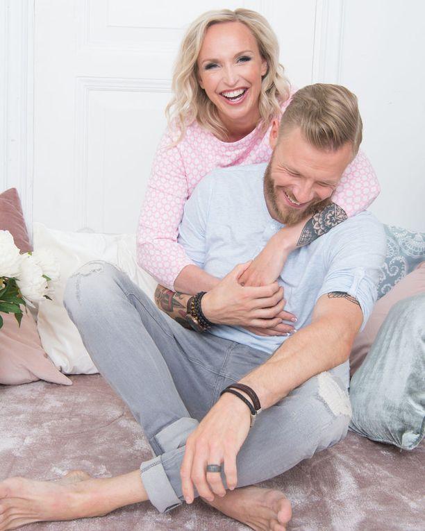 Jutta Gustafsbergista tulee avioliiton myötä rouva Rouvinen.