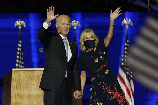Valkoisen talon tuleva isäntäpari, Joe ja Jill Biden.