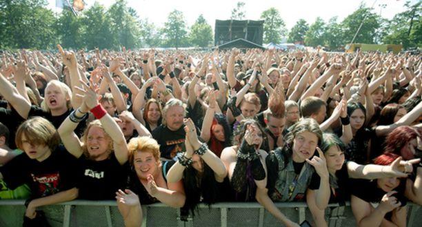 Yleisö on ensi viikonloppuna taas näpit ojossa Kaisaniemen kentällä.