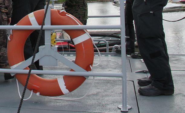 Merivartiosto, pelastuslaitos ja ensihoitajat eivät pystyneet pelastamaan uhria. Kuvituskuva.