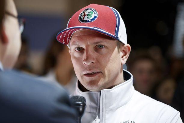 Kimi Räikkönen esiintyy julkisuudessa yleensä sangen totisena.