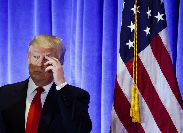 30-vuotias entinen Miss Unkari Kata Sarka väittää tulevan Yhdysvaltain presidentin Donald Trumpin kutsuneen hänet hotellihuoneeseensa Moskovassa.
