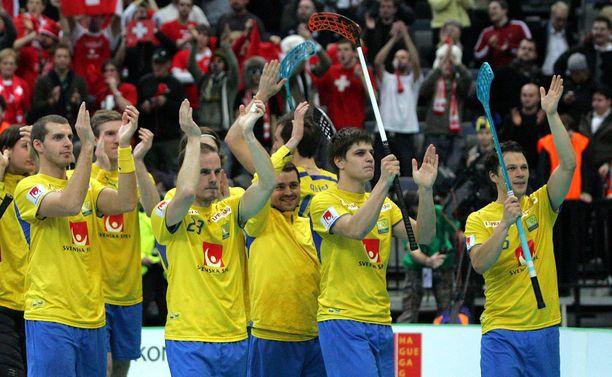 Peter Fischerström (toinen vasemmalta) teki mittavan uran maajoukkueessa. Kuva vuodelta 2008.