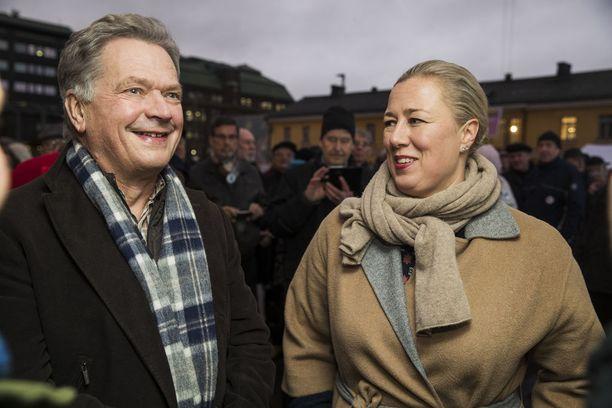 Kansanedustaja Jutta Urpilainen (sd) teki joulukuussa näyttävän comebackin politiikan parrasvaloihin osallistumalla Sauli Niinistön presidentinvaalikampanjan avaustilaisuuteen.