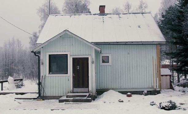 Kaikki erikoiset yksityiskohdat tuovat esiin sen, miten monia vaiheita talon yli 85-vuotiseen historiaan mahtuu, talon omistaja Laura Kosonen-Majaniemi kertoo.