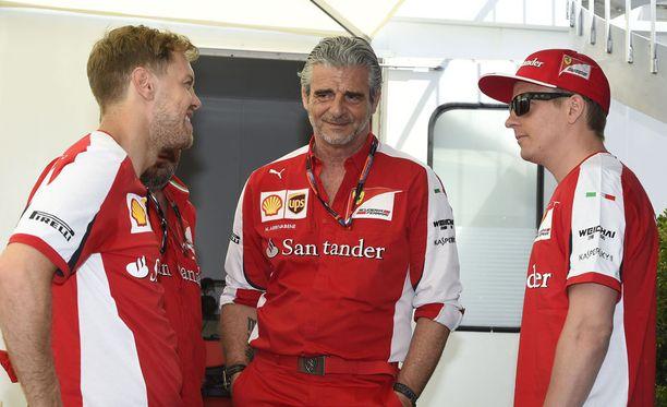 Kimin välit nykyiseen tallikaveriinsa ja ystäväänsä Sebastian Vetteliin ovat moitteettomat.