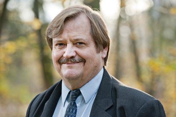 Näkökulman kirjoittaja Olli Pusa on yhteiskuntatieteiden tohtori, sosiaaliturvapolitiikan dosentti ja vakuutusmatemaatikko.