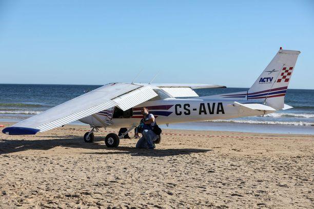 Kone teki hätälaskun Sao Joaon rannalle Portugalissa.