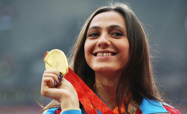Korkeushypyn maailmanmestari Maria Kutshina saa osallistua MM-kisoihin tänäkin vuonna.