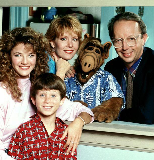 Alf tuli tv-sarjassa avaruudesta ja asettui Tannereiden perheeseen.
