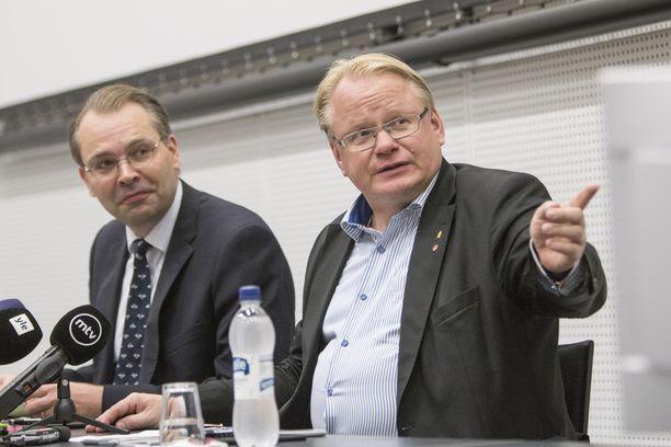 Niinistö ja Hultqvist ovat tavanneet viimeisen kahden vuoden aikana yli 30 kertaa.