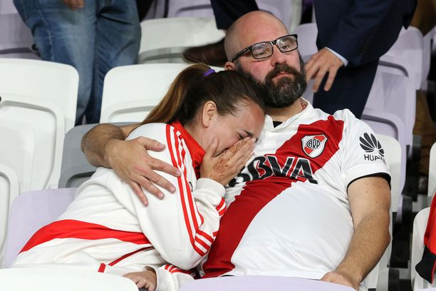 Näille River Plate -faneille tuli hukkareissu Abu Dhabiin.