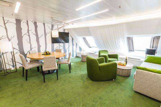 Kolmas Junior Suite on uusittu kesän väreihin.