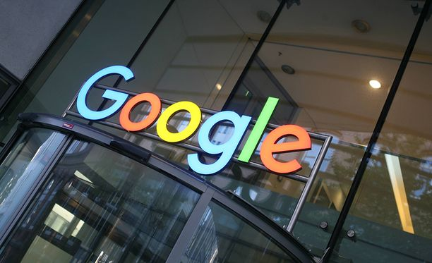 Google näkee Suomen lähtökohdat murrokseen hyviksi: meillä on esimerkiksi hyvä koulutustaso ja melko myönteinen asenneilmapiiri tekoälyä kohtaan.