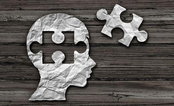Aikuisen turhautumista lapsen muistamattomuudesta helpottaa tieto siitä, ettei kyse ole haluttomuudesta kertoa tai kiittämättömyydestä.