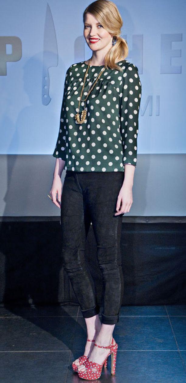 Pipsa Hurmerinta tunnetaan jauhopeukalostaan ja kauneudestaan. Pipsa työskentelee kollegansa Nina's-putiikissa ja hänet nähdäänkin usein yllään liikkeen luksusmerkkejä. Pallokuosi-Prada sopii suloiselle mallikaunottarelle kuin nakutettu.