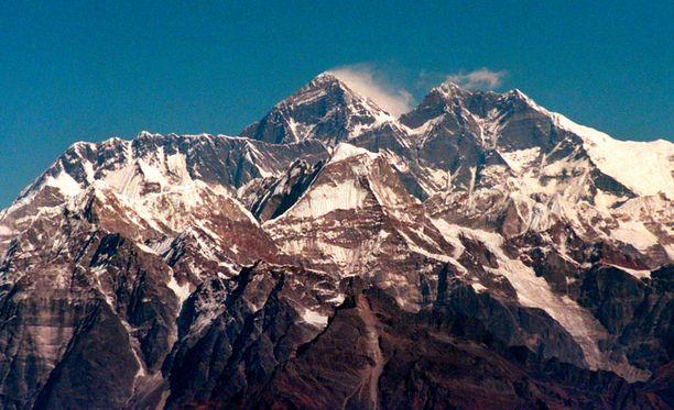 Mount Everest on kiistatta maailman korkein vuori, mutta kuinka korkea se on?