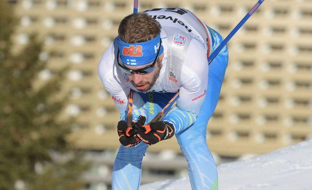 Lari Lehtonen otti skiathlon-hiihtonsa tunteellisesti. Arkistokuva.