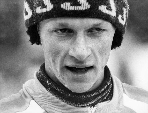 Kari Härkönen kuului 1980-luvun alkupuoliskolla Suomen hiihdon ykkösketjuun. Kuva vuodelta 1980.