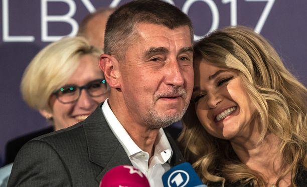 Andrej Babis lauantaina puolueensa tiedotustilaisuudessa.