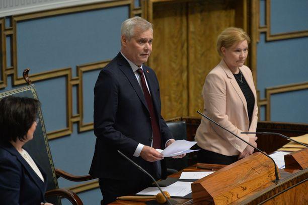 Puhemieheksi valittu Antti Rinne puhui eduskunnalle.