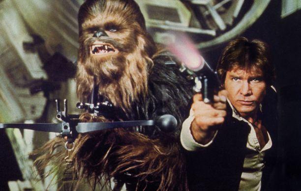 Chewbacca (vas) ja Han Solo hengasivat yhdessä jo varhaisissa Star Wars -elokuvissa.
