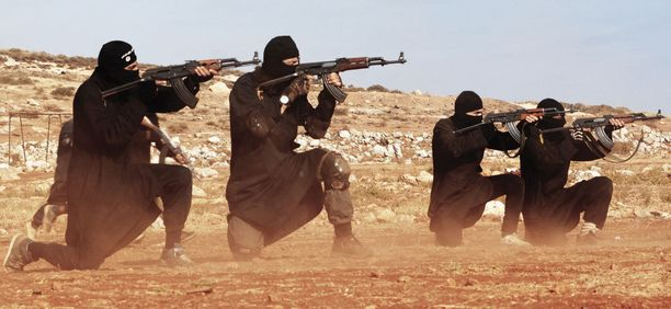 Isis-taistelijoita Raqqassa.