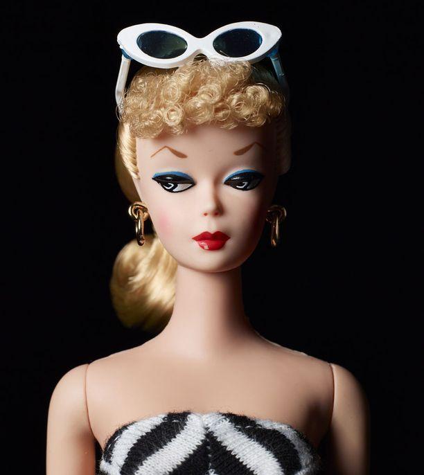 Maailman ensimmäinen Barbie vuodelta 1959