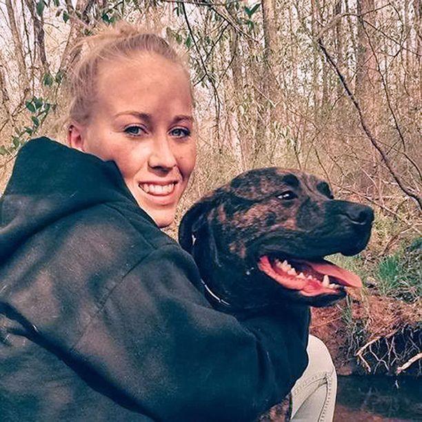 Bethany Stephens, 22, sai surmansa Virginiassa viime joulukuussa, kun hänen omat pitbullinsa Tonka ja Pac-Man raatelivat hänet hengiltä kesken ulkoilun. Tapaus sai runsaasti mediahuomiota Yhdysvalloissa.