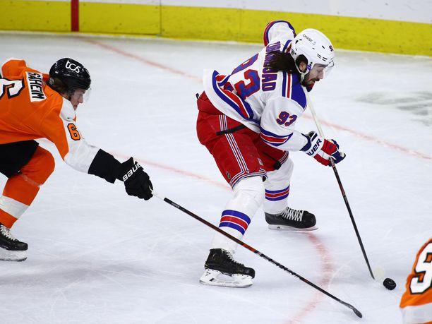Mika Zibanejad on ollut viime aikoina vaikea pideltävä Flyers-puolustukselle.