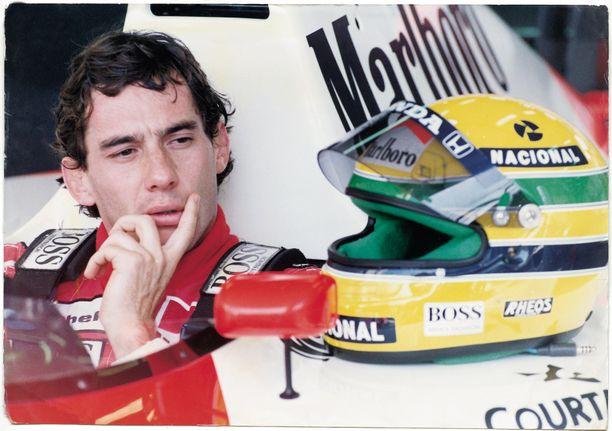 Ayrton Senna mietti ikonisen punavalkoisen McLarenin jättämistä jo aiemmin kuin 1994.