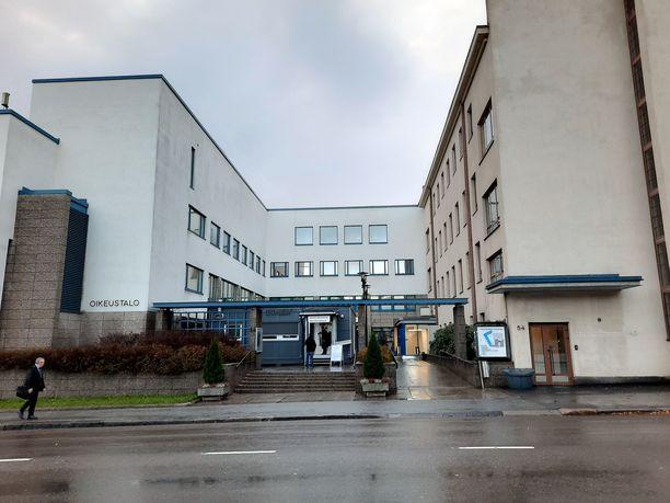 Panttivankeutta käsiteltiin Keski-Suomen käräjäoikeudessa.