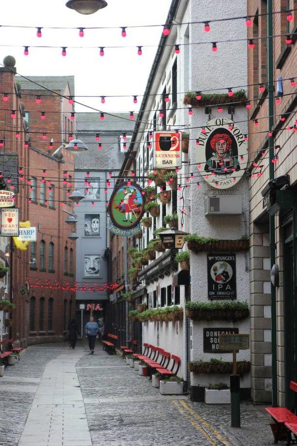 Cathedral Quarter on Belfastin trendikkäimpiä alueita.