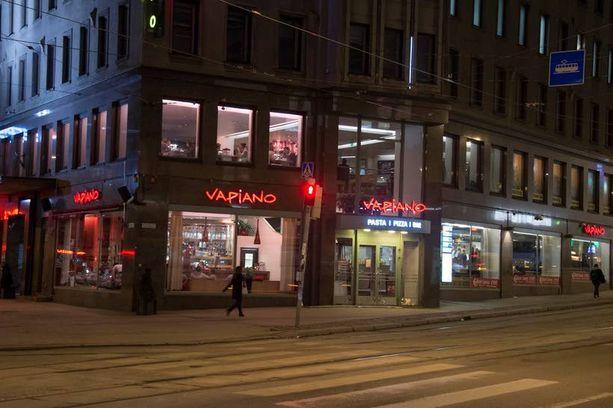 Helsingin keskustassa sijaitsevan Vapianon henkilökunta on tehnyt jopa 18-tuntista työpäivää.