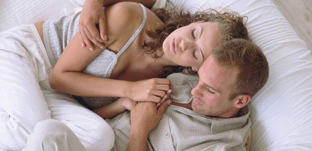 Kosketus tuottaa mielihyvää ja voi helpottaa kipua oikealla nopeudella tehtynä, sanovat tutkijat.