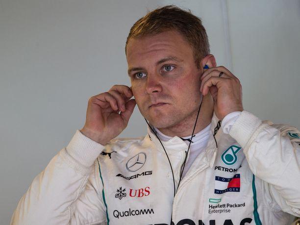 Valtteri Bottas ajaa ensi kaudella tulevaisuudestaan Mercedes-tallissa.