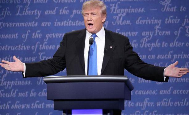 Donald Trump käyttää kehonkieltä tehokkaasti.