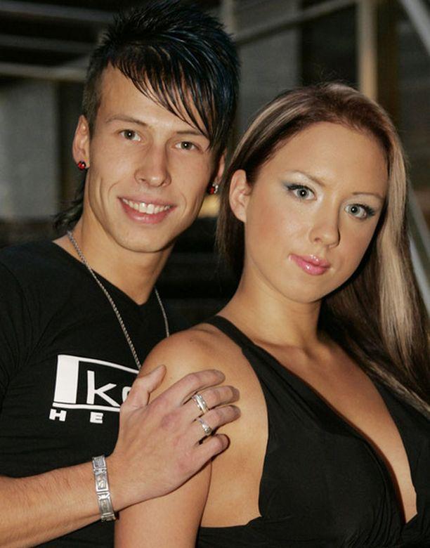 Antti ja Henna käväisivät radiohaastattelussa kertomassa tavoitteistaan.